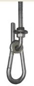 В новых моделях KAMPFER улучшеные крепления оборудованые сьемным карабином, что облегчает сборку комплекса и позволяет при необходимости снять качели.